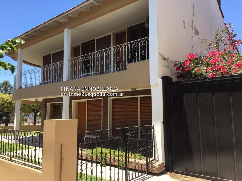 Casa En Alquiler En Los Hornos Los Hornos Sobre Calle 66