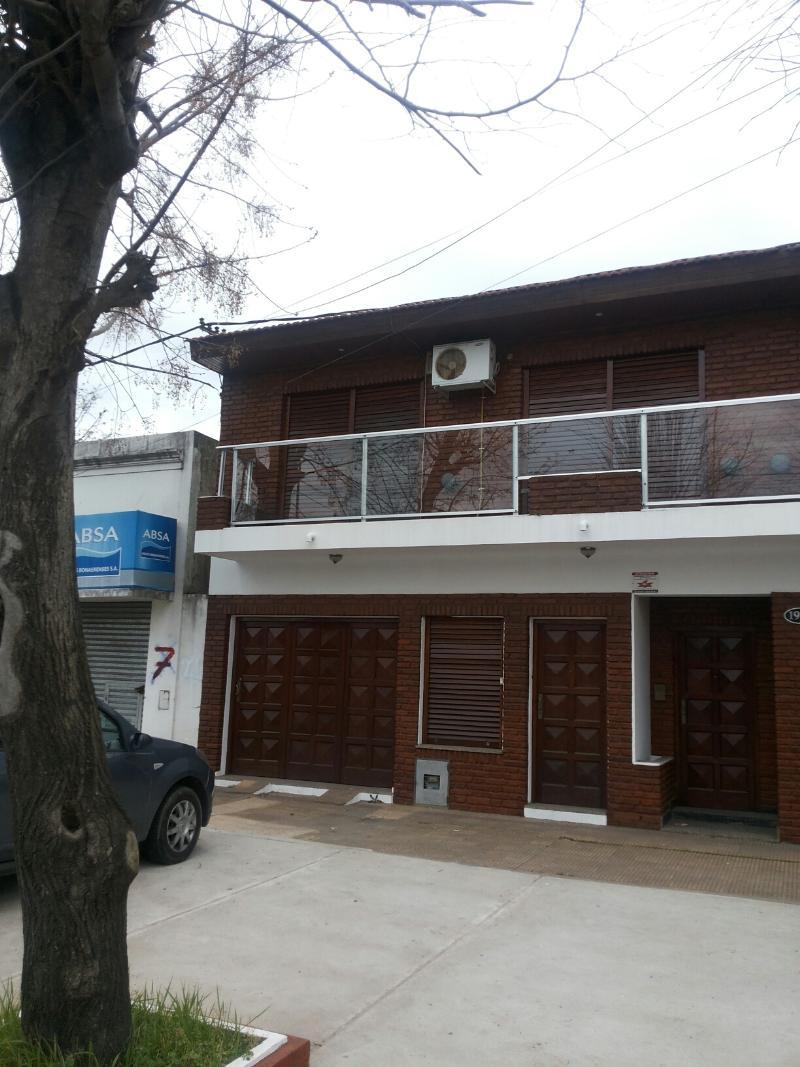 Casa En Venta En La Plata Sobre Calle 66 Buenos Aires